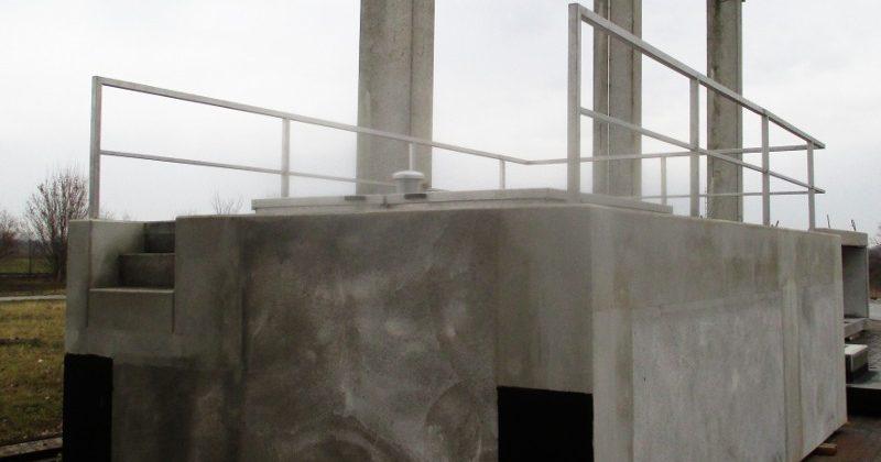 Betonfertigteil, Drosselschacht mit Geländer